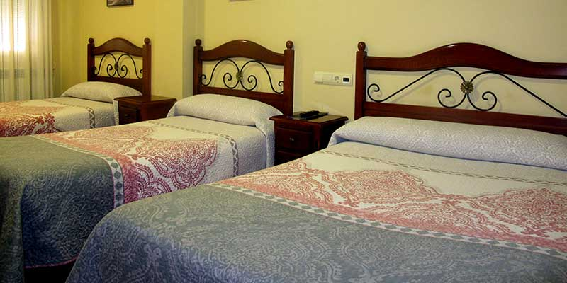Hostal en teruel serruchi for Habitacion cuadruple